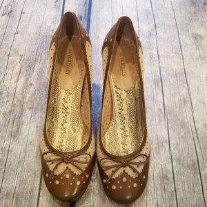 Seychelles Brown and Tan Heel size 10